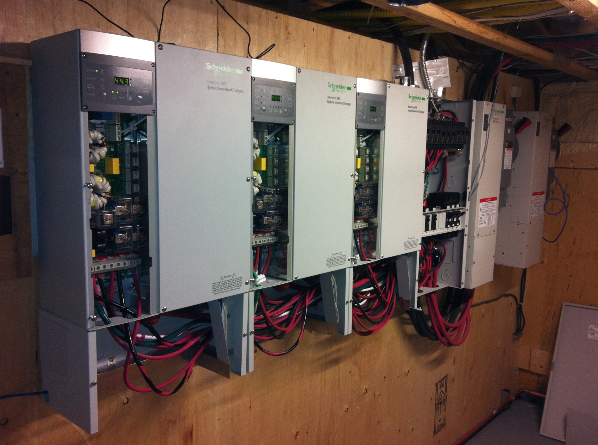 DRYCORE ELECTRIC QUEBEC | Montreal Electrical Contractor | Electrical contractors providing Commercial electrical, Industrial  electrical and Residential electrical services in the Montreal, Laval and surrounding areas.